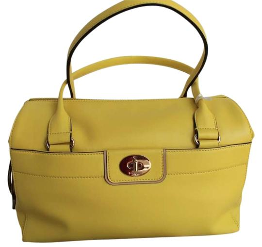 Preload https://item5.tradesy.com/images/kate-spade-hampton-road-colette-purse-shoulder-handbag-tote-yellow-leather-satchel-260679-0-0.jpg?width=440&height=440