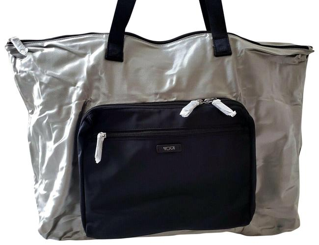 Item - New Packable Metallic Lightweight Duffel Tote Carry On Silver Nylon Weekend/Travel Bag
