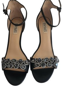 Badgley Mischka Black Wedges