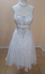 Alfred Angelo 805 Wedding Dress