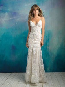 Allure Bridals Ivory/Silver Lace 9501 Feminine Wedding Dress Size 8 (M)