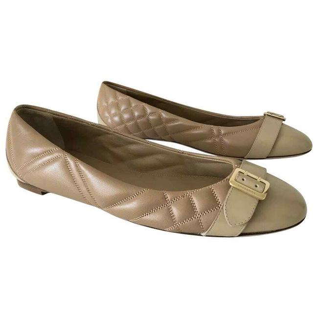 Item - Beige Avonwick Nude Quilted Leather Gold Logo Buckle 38 Flats Size EU 38.5 (Approx. US 8.5) Regular (M, B)
