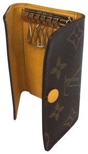Louis Vuitton Luxury Monogramed Multicles 6 Ring Key Case