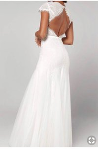 Fame and Partners White Nylon The Denueve Modern Wedding Dress Size 10 (M)