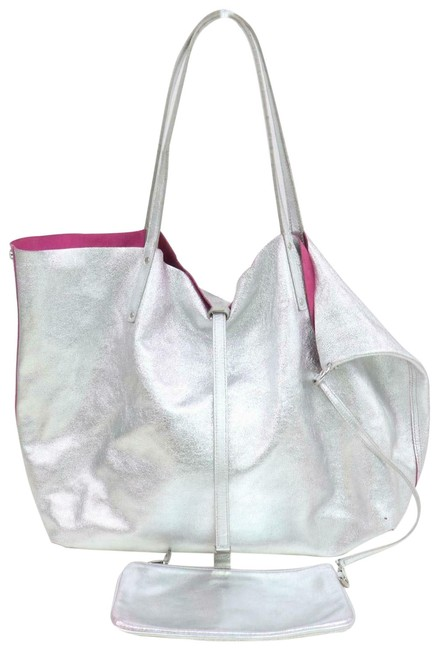 Item - Reversible Shopper with Pouch 871440 Silver Leather Tote