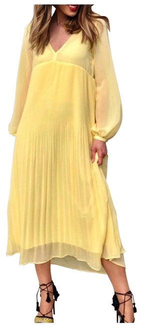 Item - Yellow Pleated Night Out Dress Size 2 (XS)