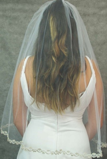 White Medium One Tier Rich Trim Silver Tone Bead and Tiny Pearls Bridal Veil