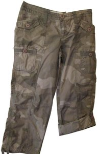 Natural Reflections Camo Capris Green Camouflage