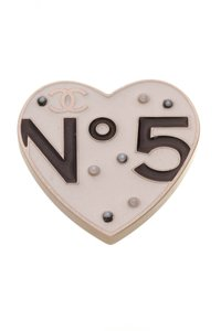 Chanel Chanel No.5 Heart Brooch - Ivory/Gold