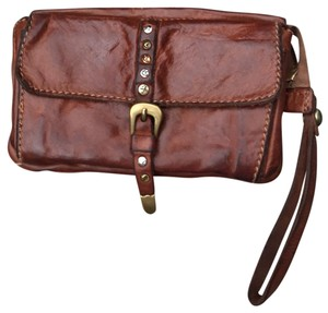 Campomaggi flat pouch with wrist strap in brown leather