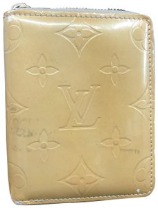 Louis Vuitton LV159 Vernis monogram compact zippy wallet