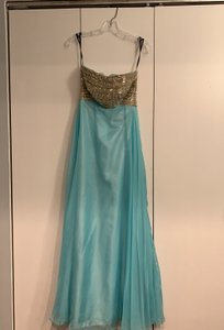 Alyce Paris Sky Blue 'bedazzled' Evening Gown Formal Bridesmaid/Mob Dress Size 2 (XS)