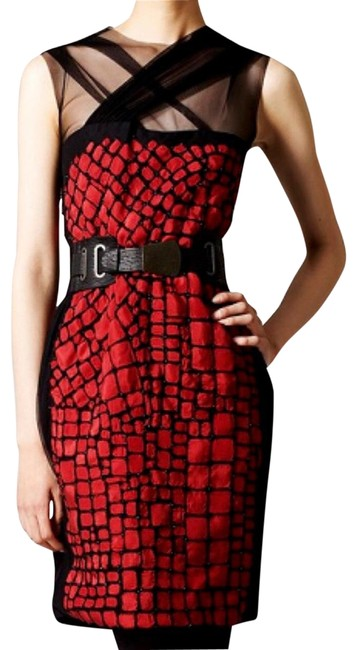 Item - Red and Black Y11410et Short Formal Dress Size 6 (S)