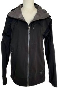 REI Breathable Stretchy Pockets Classic Athletic Raincoat