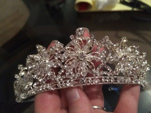 Crystal White Silver and A Small Amount Of Gold Snowflake with Pins Tiara