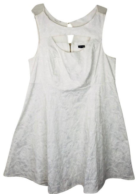 Torrid White & Flare Cut Out Neckline Mid-length Cocktail Dress Size 20 (Plus 1x) Torrid White & Flare Cut Out Neckline Mid-length Cocktail Dress Size 20 (Plus 1x) Image 1