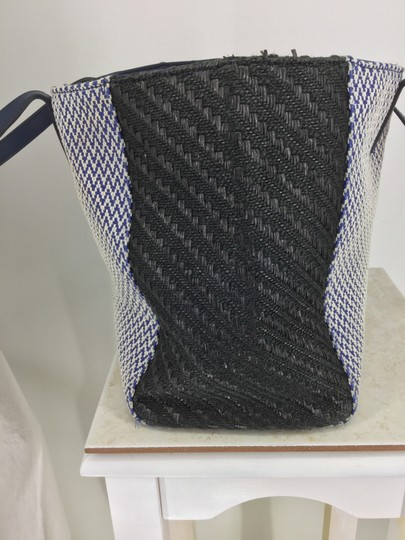Marc by Marc Jacobs Tote in Blue and Black Image 4