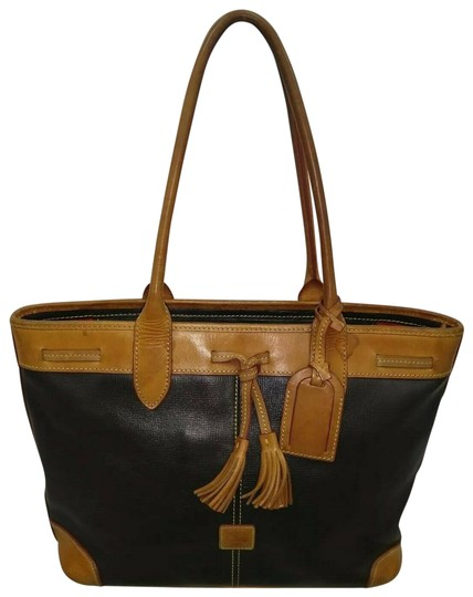 Preload https://img-static.tradesy.com/item/26102086/dooney-and-bourke-vintage-blackbrown-large-with-hangtag-black-brown-leather-tote-0-1-540-540.jpg