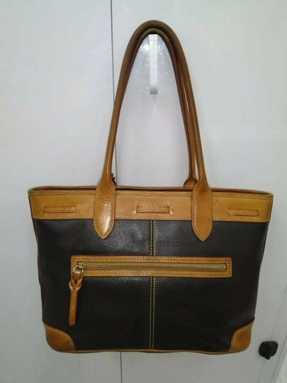 Dooney & Bourke Tote in Black, brown Image 1