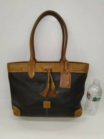 Dooney & Bourke Tote in Black, brown Image 2