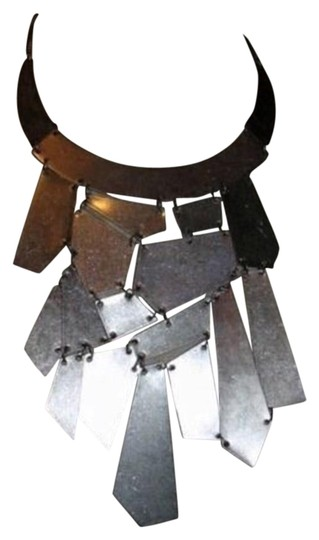 Preload https://img-static.tradesy.com/item/26102115/silver-geometric-bib-satin-antiqued-bib-necklace-0-1-540-540.jpg