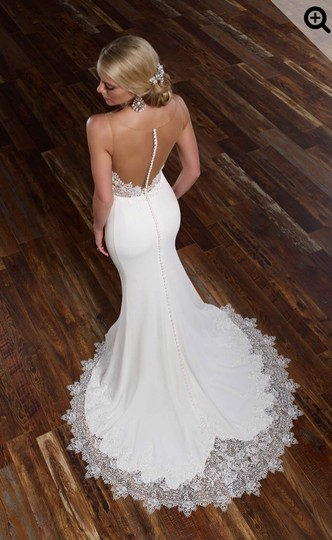 Preload https://img-static.tradesy.com/item/26102175/martina-liana-off-white-ivory-bellagio-crepe-skirt-and-lace-top-sexy-wedding-dress-size-6-s-0-1-540-540.jpg