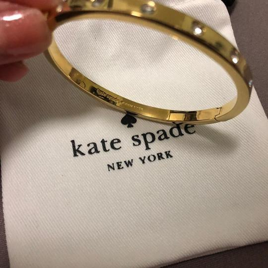 Kate Spade Gold Ks 16k Gold-plated Set In Stone Crystal Hinged Bangle Bracelet Image 5