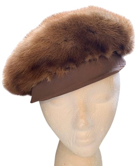 Preload https://img-static.tradesy.com/item/26102307/brown-perfect-vintage-mink-fur-beret-hat-0-2-540-540.jpg
