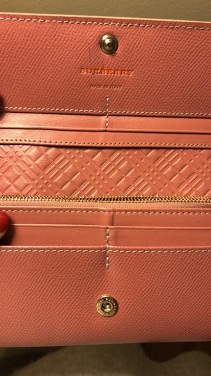 Burberry Burberry Patent leather continental wallet Image 2