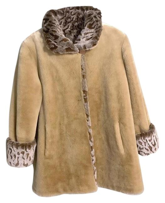 Preload https://img-static.tradesy.com/item/26102422/coldwater-creek-tan-vintage-womens-faux-fur-small-animal-print-condition-is-pre-owned-shipped-with-u-0-1-650-650.jpg