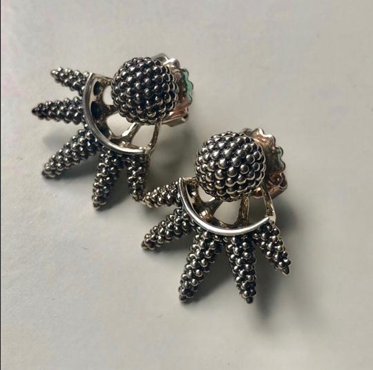 Lagos caviar stud earrings Image 1