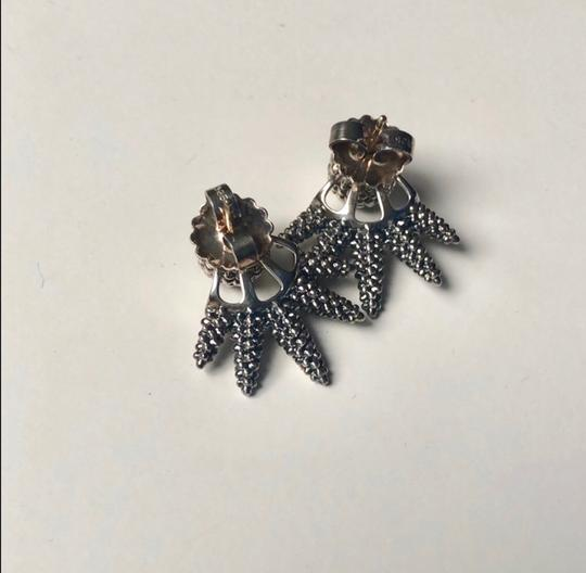 Lagos caviar stud earrings Image 4