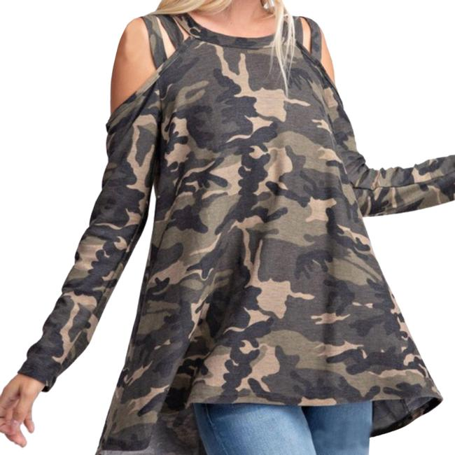 Preload https://img-static.tradesy.com/item/26102627/diva-plus-camouflage-sweater-0-1-650-650.jpg