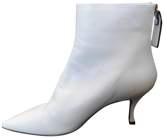 Preload https://img-static.tradesy.com/item/26102757/stuart-weitzman-white-w15-natural-womens-juniper-leather-pointed-toe-bootsbooties-size-us-75-regular-0-1-540-540.jpg