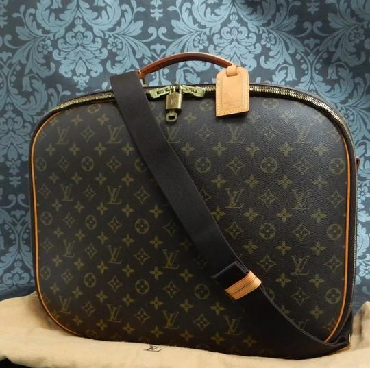 Preload https://item1.tradesy.com/images/louis-vuitton-packall-sac-a-dos-pm-long-strap-suitcase-carry-on-monogram-canvas-weekendtravel-bag-26102805-0-2.jpg?width=440&height=440