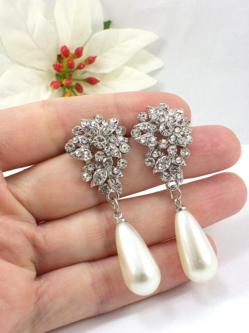 Item - White Ivory Pearl Clear Crystal Earrings