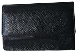 Louis Vuitton Multicles 6 Taiga Leather Key Holder Case