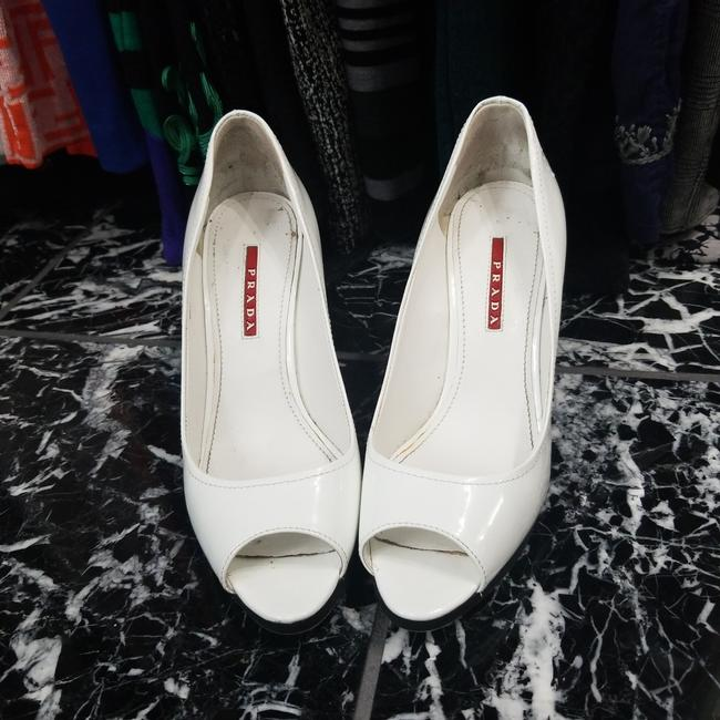 Item - White and Blue Heels. 3kz022 Platforms Size US 8.5 Narrow (Aa, N)