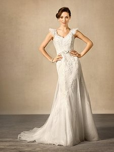 Alfred Angelo 2437 Wedding Dress