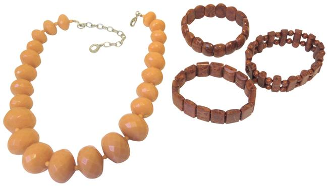 Item - Coral 3-piece Bracelet and Beaded Necklace