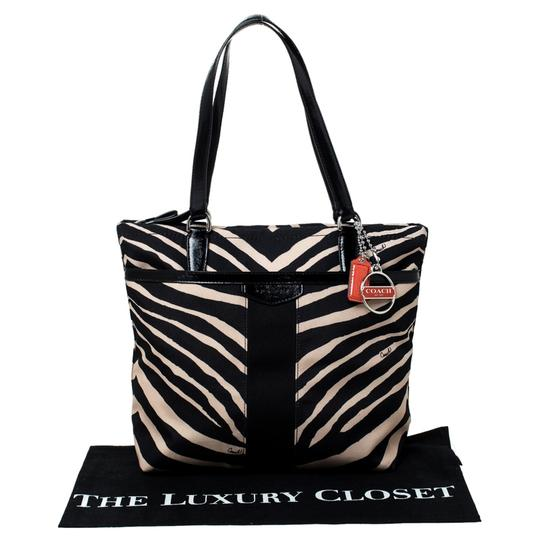 Coach Canvas Patent Leather Tote in Black Image 10