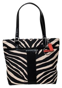 Coach Canvas Patent Leather Tote in Black