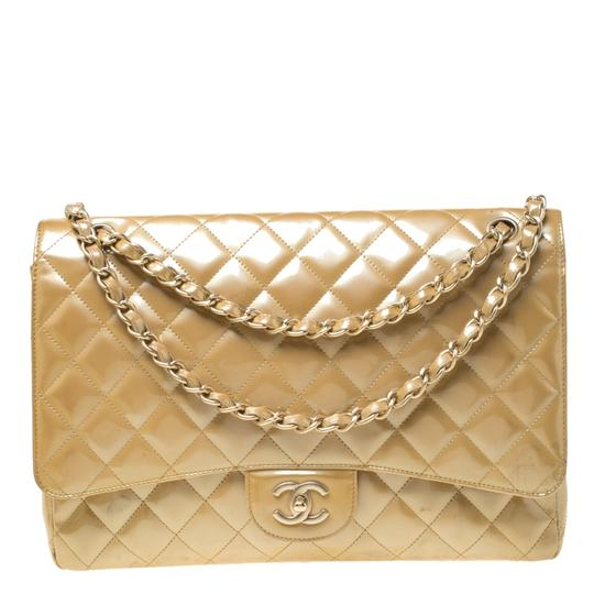 Preload https://img-static.tradesy.com/item/26116338/chanel-classic-flap-quilted-patent-maxi-classic-single-yellow-leather-shoulder-bag-0-0-540-540.jpg