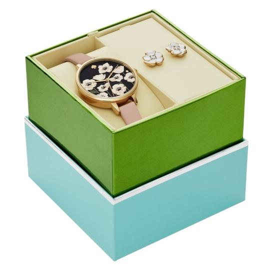 Preload https://img-static.tradesy.com/item/26116488/kate-spade-gold-tone-box-new-leather-metro-and-earrings-set-ksw1375box-watch-0-0-540-540.jpg