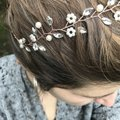 Other Delicate Floral Headpiece Flower Garland Pearl Bridal Crown Image 2