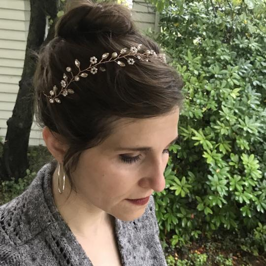 Other Delicate Floral Headpiece Flower Garland Pearl Bridal Crown Image 3