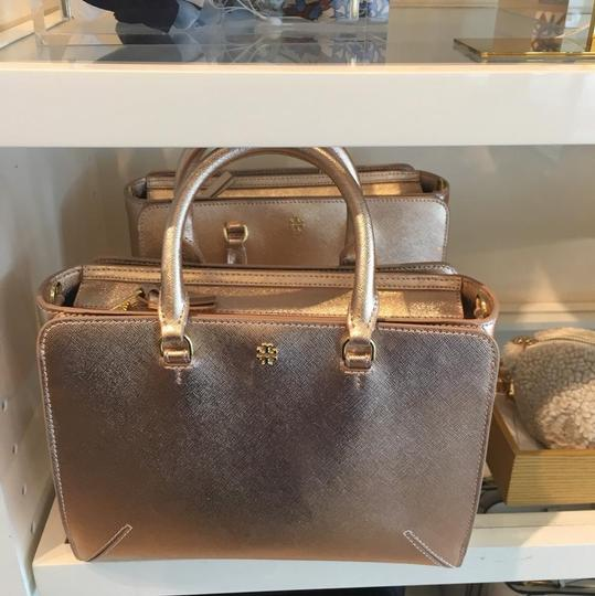 Tory Burch Tote in rose gold Image 1