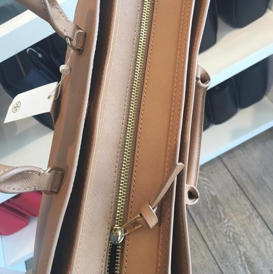 Tory Burch Tote in rose gold Image 2