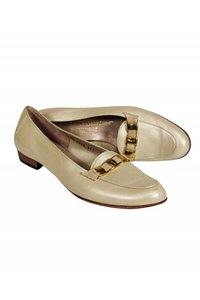 Ferragamo Loafers Pearl Finish Ivory Pumps