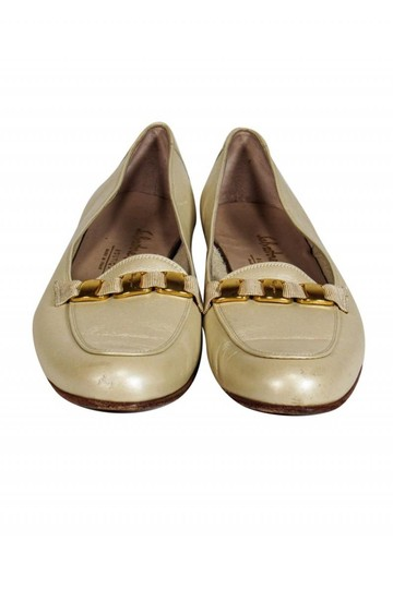 Ferragamo Loafers Pearl Finish Ivory Pumps Image 1